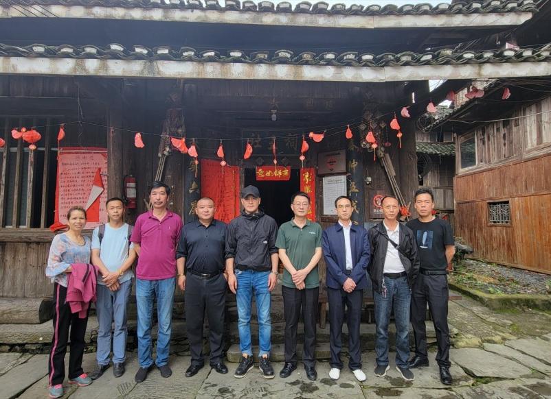 樊昊仑现身湖南通道县 疑为新剧勘景,将首次执导电视剧