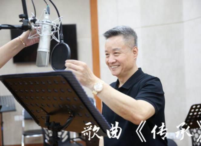 阎维文老师携手青年作曲