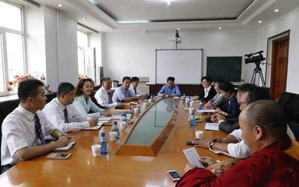 国务院新闻办组织中国藏文化交流团访问蒙古国